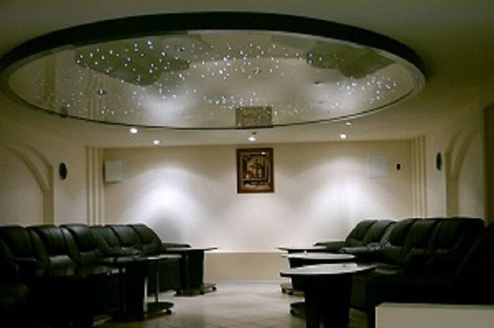 Предлагаем заказать французский потолок в Грузии
