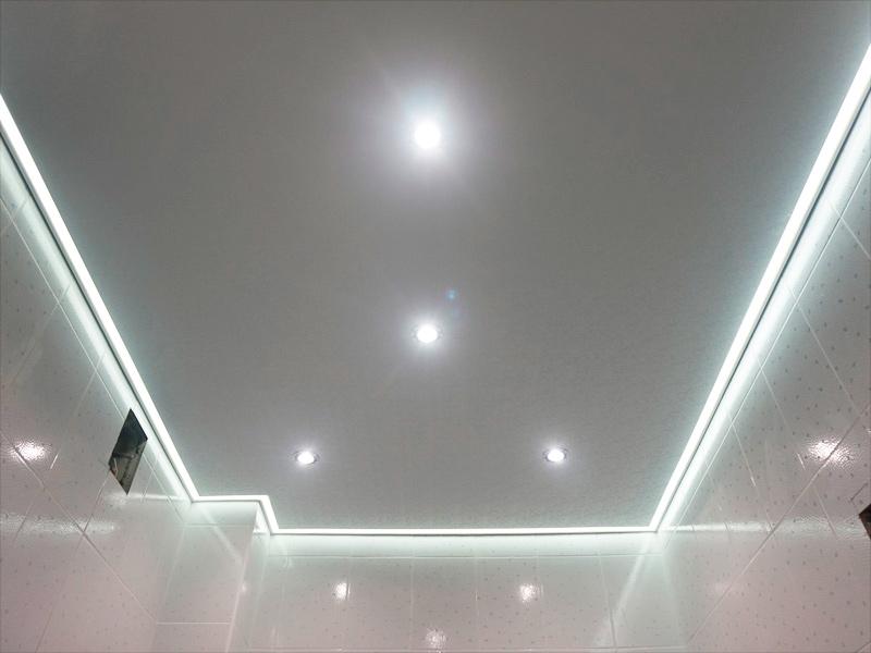 Контурный натяжной потолок в ванной, в Тбилиси (Грузия) от Master Ceiling